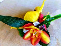 Hawaiian hair clip, tropical fascinator, tiki headpiece, exotic flower hair accessories, rockabilly hairpiece, 50s pin up girl.