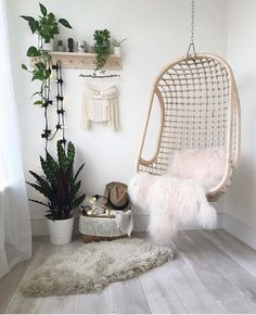 Today, we'll show you 20 inspirational home office decor ideas for 2019 you'll absolutely adore! office decor ideas 20 Inspirational Home Office Decor Ideas For 2019 Bedroom Nook, Bedroom Corner, Home Decor Bedroom, Cute Bedroom Ideas, Cute Room Decor, Decoration Inspiration, Decor Ideas, Luxury Home Furniture, Aesthetic Bedroom