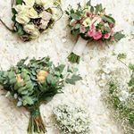 Flowerpower 🌺🌸What's your favourite? @kukkalinja @kukkapuoti.unikko @soukansydan #kukkakauppalumikello @kukkajajuhlapalvelufreesi Pic @misomacura #misomacura #mennäännaimisiin #häät #häät2018 #häät2019 #morsiuskimppu #kukkakauppa