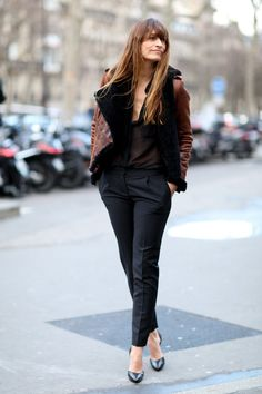 #CaroylndeMaigret showing the cool kids how it's done in her leather moto. Effortless at #PFW