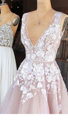 like the lace detail