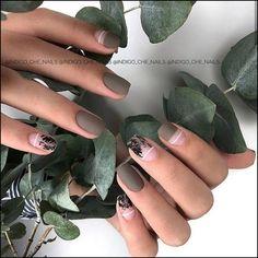 Matte Winter Nail Art Idea in 2020 Hot Nails, Hair And Nails, Talon Nails, Minimalist Nails, Cute Acrylic Nails, Green Nails, Stylish Nails, Nail Manicure, Nail Arts