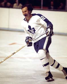 """""""Clear the track, here comes Shack"""" - Eddie """"The Entertainer"""" Shack, Toronto Maple Leafs"""