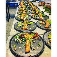 Salmon steak • Asian Salad • Wasabi • Thanks for sharing chef! IG @ _young_chef_ignazz_  #foodporn #young #chef #picoftheday #foodie #food #foodstagram #foodgasm #love #cheflife #delicious #nomnom #yummy #radissonblu #hamburg