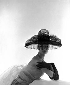 Bert Christensen's Cyberspace Home, Photo by John French Jean Shrimpton, Victoria And Albert Museum, Photography Women, Fashion Photography, Wearing A Hat, French Photographers, Grand Palais, Classic Elegance, Portrait Inspiration