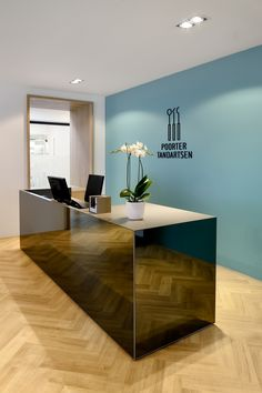 DENTAL CLINIC / POORTER TANDARTSEN BY VEVS on Behance                                                                                                                                                                                 More