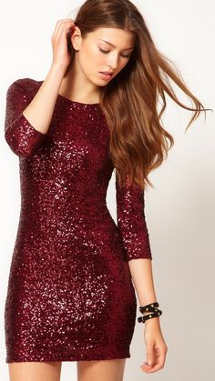 Holiday Party Dresses - Sexy Holiday Party Dresses Under 100 - Cosmopolitan and its in my favorite color! Holiday Party Outfit, Holiday Party Dresses, Holiday Outfits, Fall Outfits, Holiday Parties, Red Christmas Party Dress, Outfit Winter, Christmas Dress Women, Dress Winter
