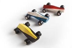 wooden design toys by Maarten Olden Wooden Wheel, Wooden Car, Designer Toys, Wood Toys, Diy Toys, Wood Design, Kids Furniture, Vintage Toys, Design Cars