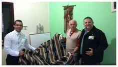 RITO    BRASILEIRO   DE MAÇONS ANTIGOS LIVRES E ACEITOS - MM.´.AA.´.LL.´.AA.´.: Amaparo Santa Cruz recebe doação de cobertores
