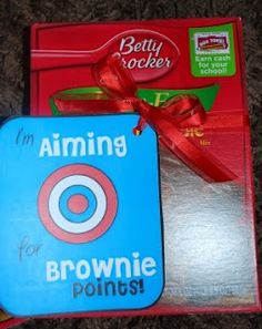 Brownie points, why did I never think of using a brownie mix to make this point? Cute free printable