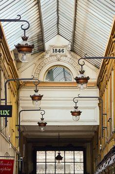 Passage Jouffroy, beautiful lamps, Paris IX