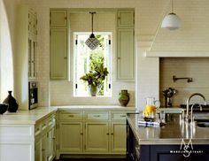 This traditional kitchen in Los Angeles, designed by Madeline Stuart & Associates, was featured in Architectural Digest. Blue Kitchens, Painting Kitchen Cabinets, Home, Kitchen Cabinets, White Decor, White Rooms, Architectural Digest, Kitchen Design, Kitchen Paint