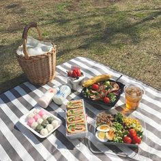 Cooking With JL Artesanato. Check Out These Simple Cooking Tips! Cafe Food, Food N, Good Food, Food And Drink, Yummy Food, Tasty, Picnic Date, Summer Picnic, Comida Picnic