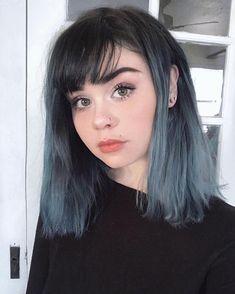 Blue hair, short dyed hair, cool hair dyed, short hair with bangs Ombre Hair Color, New Hair Colors, Cool Hair Color, Blue Ombre, Short Dyed Hair, Short Blue Hair, Blue Grey Hair, Short Hair Colour, Denim Blue Hair