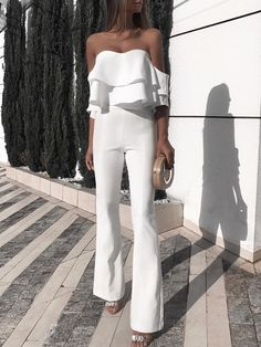 Solid Ruffled Design Off Shoulder Jumpsuit - Mode Tutorial and Ideas Ruffle Jumpsuit, Jumpsuit With Sleeves, Prom Jumpsuit, Strapless Jumpsuit, White Jumpsuit, Elegant Jumpsuit, Jumpsuit Outfit, Casual Jumpsuit, Short Jumpsuit