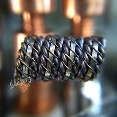 """""""Had to install really quick! Quick and dirty deets: Single coil, """"WireWithoutAName"""", 4 wrap 7/64 id 0.09 ohms  #vape #vapeporn #vapefam #vapelyfe…"""""""