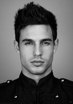 THIS guy- holy smokes! Looks like he's wearing some kind of a military jacket. Look Man, Look Girl, Anthony Gastelier, Simon Nessman, Hommes Sexy, Hair And Beard Styles, Attractive Men, Good Looking Men, Haircuts For Men