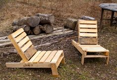 Build an adirondack chair from a shipping pallet
