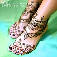 Love this foot henna tattoo
