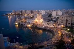 Loved walking the promenade here at night time and the besutiful restaurants to choose from at Sliema, Malta
