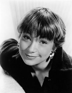 The Apartment was on AMC the other night. Shirley Maclaine is perfect. Old Hollywood Movies, Hollywood Stars, Classic Hollywood, Julie Christie, Divas, Katharine Ross, Star Actress, Shirley Maclaine, Classic Movie Stars