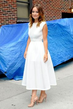 Olivia Wilde arrived for her appearance on the television show wearing a Theyskens' Theory white dress with Christian Louboutin sandals.
