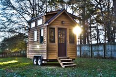 Tiny house on wheels, tiny house plans, little houses, mini houses, tin Tiny House Exterior, Tiny House Builders, Tiny House On Wheels, Small House Plans, Home Builders, Tiny House Swoon, Tiny House Living, Small Living, Living Spaces