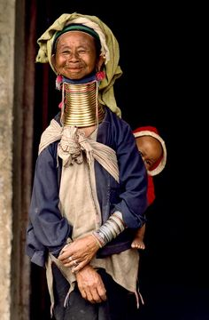 Myanmar (Birmania), tribu de los Padaung