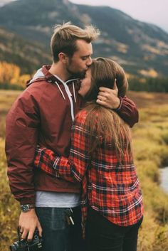 Ideas travel couple pictures relationship goals romantic for 2020 Couple Photography, Engagement Photography, Cute Couples Hugging, Couple Hugging, Photo Couple, Couple Photos, Love Couple, Winter Couple Pictures, Hug Pictures