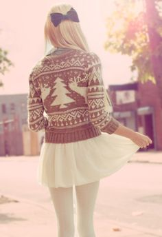 white tights and a reindeer sweater Teen Fashion Outfits, Womens Fashion, Emo Fashion, Jugend Mode Outfits, White Tights, Kirara, Winter Looks, Winter Style, Snow Style