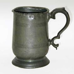 English Victorian Pewter Pint Tavern Mug Marked: Pint Imperial. Pewter Tankard, Pewter Plates, Antique Pewter, Decluttering, Victorian, English, Mugs, Tableware, Dinnerware