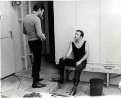 Leonard Nemoy and William Shatner behind the scenes of Star Trek TOS I See Stars, Love Stars, Star Wars, Star Trek Tos, Start Trek, Star Trek 1966, Star Trek Images, Star Trek Characters, Star Trek Original Series