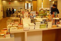 voorbeeld van presentatiemeubel bibliotheek