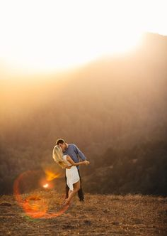 Couples photography sunset engagement session by britt rene photography // via engaged & inspired – photography