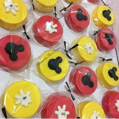 Mickey Mouse Desserts, Mickey Mouse Treats, Mickey Mouse Theme Party, Minnie Y Mickey Mouse, Mickey Mouse Cupcakes, Mickey Mouse Clubhouse Birthday Party, Mickey Cakes, Mickey Mouse Birthday, Mickey Mouse Cake Decorations