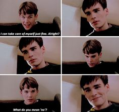 Ethan Hawke as Todd Anderson and Robert Sean Leonard as Neil Perry in Dead Poets Society. Old Movies, Great Movies, Dead Poets Society Neil, My Academia, Oh Captain My Captain, Robert Sean Leonard, Out Of Touch, Movie Lines, Robin Williams
