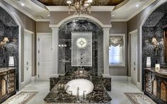 Villa Belle - master bath tub