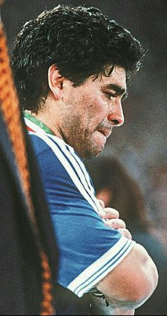Diego Armando, Sports, Fictional Characters, Soccer Poster, Amor, Football Pictures, Videogames, Argentina, Hs Sports