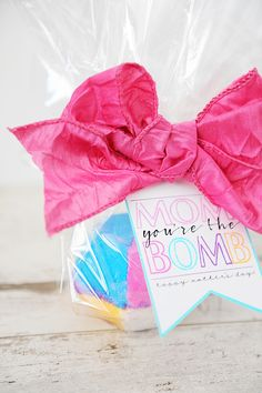 Lush Bath Bomb Mother's Day Gift | eighteen25 | Bloglovin'