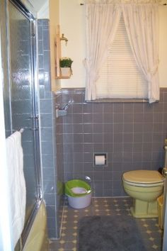 DIY - How to Remove Shower Doors from a Bathtub - An Easy Step by Step Guide