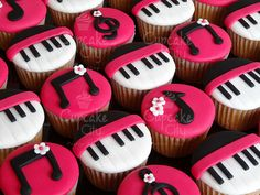 Music Cupcakes, I'd do this with Icing instead of fondant.