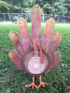 Turkey I saw on fb someone made out of pallets