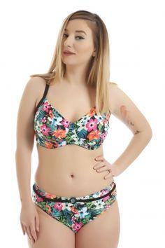 magio megalo megethos - HappySizes Summer Swimwear, Bikinis, Accessories, Fashion, Moda, Fashion Styles, Bikini, Bikini Tops, Fashion Illustrations