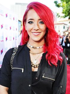 Um, WOW! Jenna Marbles will be the first social media star to have a Madame Tussauds wax figure in Times Square #VidCon #VidCon2015