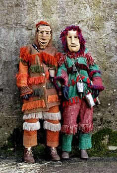 Tribal Costume, Folk Costume, Traditional Dresses, Traditional Art, Portugal, Funny Costumes, Crazy Costumes, Arte Tribal, African Tribes