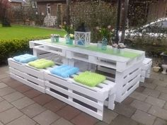 Wood Pallet Beds and Gorgeous Wood Ideas White pallet patio set. I love the white with the soft pink flowers and lantern. So pretty! The post Wood Pallet Beds and Gorgeous Wood Ideas appeared first on Pallet Diy. Wood Pallet Beds, Diy Pallet Furniture, Furniture Projects, Outdoor Furniture Sets, Pallet Fence, Pallet Chair, Backyard Furniture, Furniture Design, Pallette Furniture