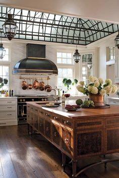 Home Decor Themes Best European Kitchen Design Ideas.Home Decor Themes Best European Kitchen Design Ideas Classic Kitchen, New Kitchen, Kitchen Decor, Kitchen Ideas, Awesome Kitchen, Kitchen Layout, Design Kitchen, French Kitchen, Kitchen Furniture