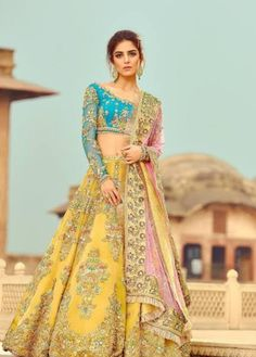 Our store offers a wide range of wedding dress for Bride, Latest Bridal Dresses and Bridal Lehenga choli for all the brides that make you look ravishing. Latest Bridal Dresses, Bridal Mehndi Dresses, Indian Wedding Gowns, Indian Bridal Outfits, Wedding Lehnga, Bride Indian, Indian Weddings, Pakistani Mehndi Dress, Pakistani Dresses