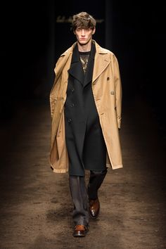 http://www.fashionsnap.com/collection/salvatore-ferragamo/man/2015-16aw/gallery/index34.php