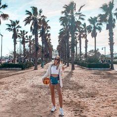 Anetless: Zápisky z Erasmu: Zkoušky, stěhování a první plážové dny Agatha Christie, Book Of Life, Ecology, Valencia, Journey, The Journey, Environmental Science